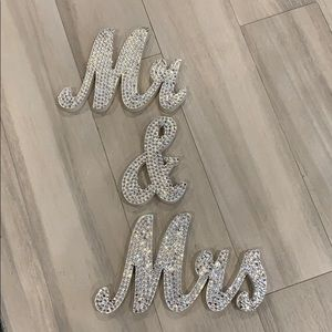Mr. & Mrs. Sign for table